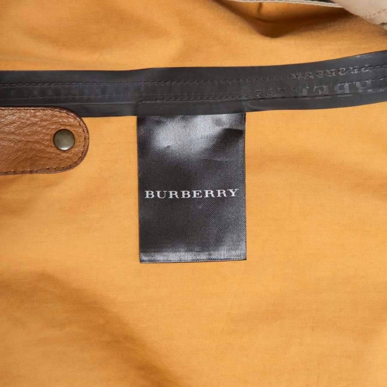 BURBERRY Riding Trench Coat in Beige Cotton and Natural Leather Size 48FR For Sale 4