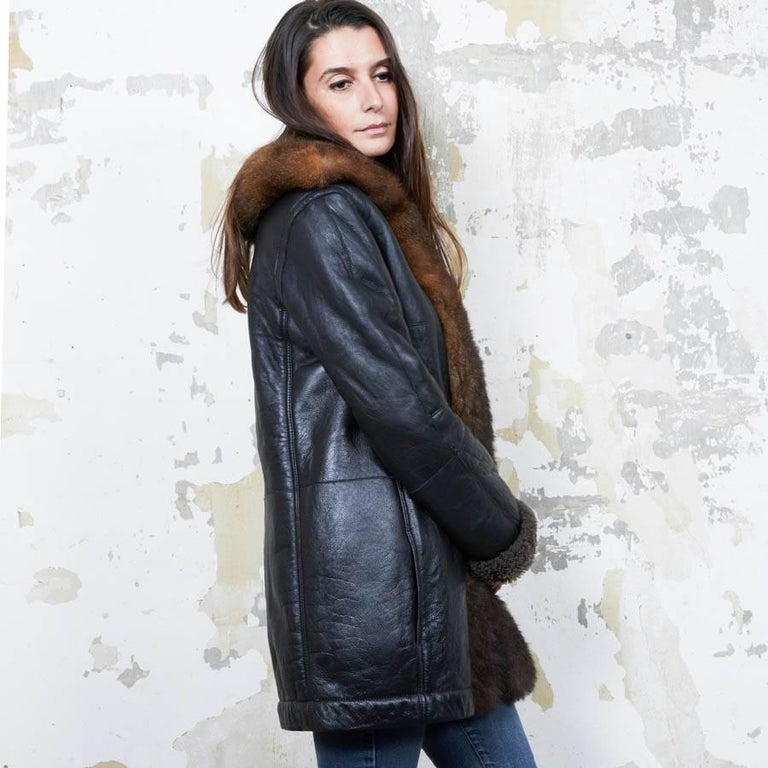 Balenciaga Mid-Length Coat in Brown Returned Lambskin and Aged Leather Size 40 In Excellent Condition For Sale In Paris, FR