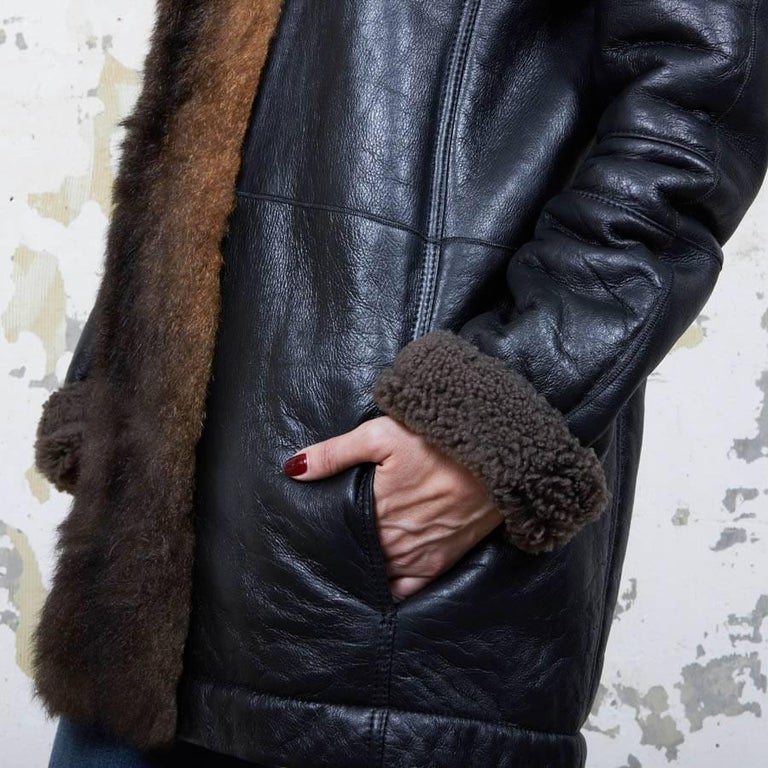 Balenciaga Mid-Length Coat in Brown Returned Lambskin and Aged Leather Size 40 For Sale 3
