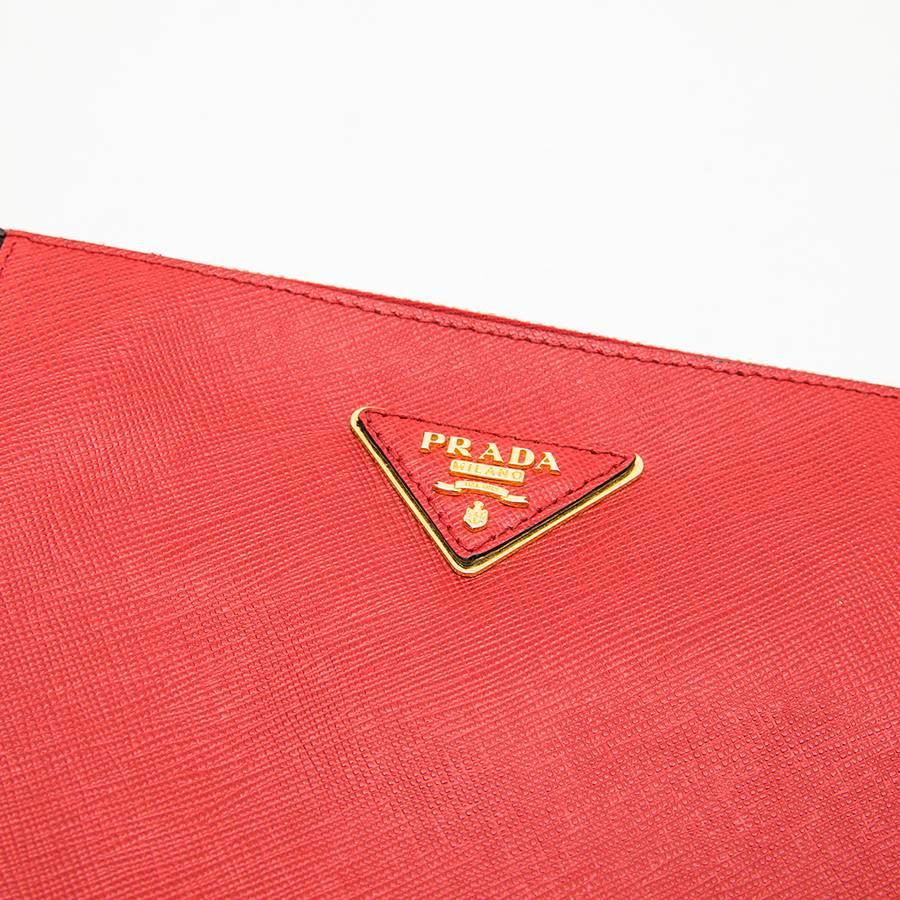 Prada Clutch In Two-tone Black And Red Grained Leather PdZb4F6pf