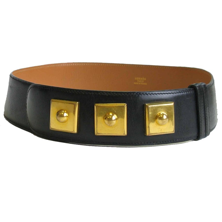 Hermès belt 'Piano' model, in black box leather and gold plate metal hardware.   Made in France  Dimensions: width: 4.4 cm, total length: 94 cm, shortest: 69, middle: 73 cm, longest: 77 cm  Will be delivered in a Hermès pouch