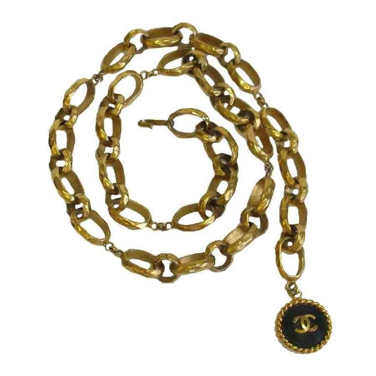 CHANEL Vintage Belt Chain in Gilded Metal