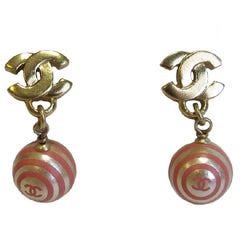 CHANEL CC Stud earrings in Gold metal And Pearly and Pink Pearls