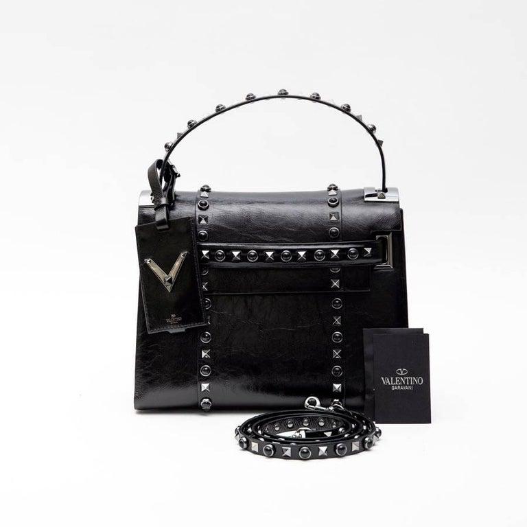 VALENTINO Bag in Aged Semi Matte Black Leather For Sale 1