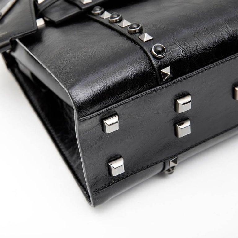 VALENTINO Bag in Aged Semi Matte Black Leather For Sale 3