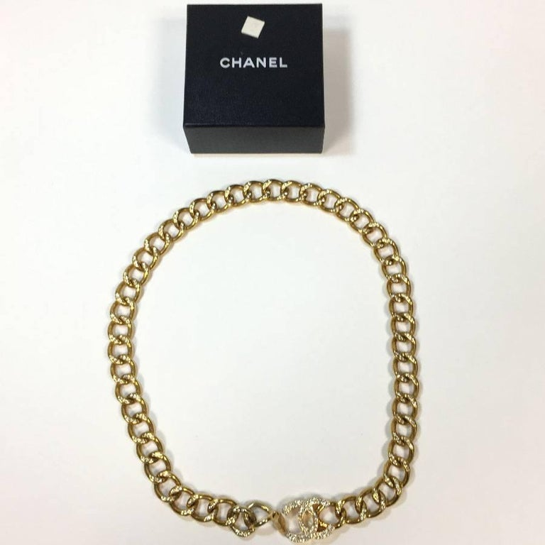 CHANEL Chain Belt in Gilt Metal set with Rhinestones and CC Clasp Size 80FR For Sale 5