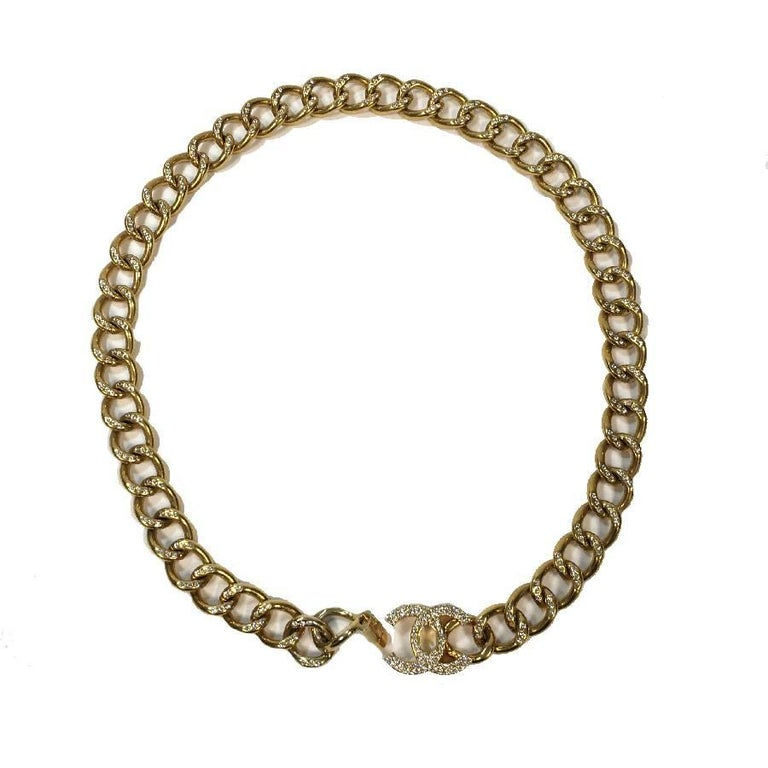 Beige CHANEL Chain Belt in Gilt Metal set with Rhinestones and CC Clasp Size 80FR For Sale
