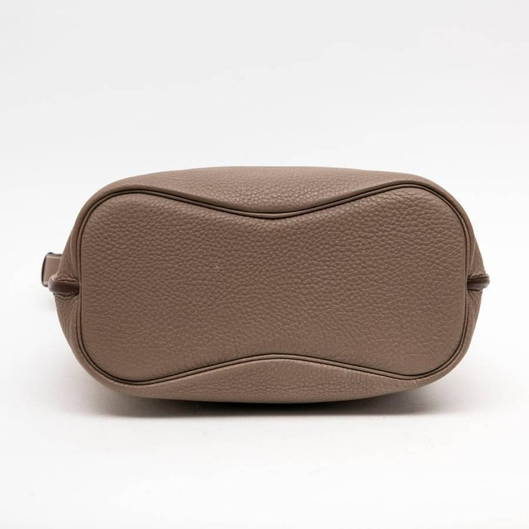 HERMES So Kelly Bag in Etoupe Clémence Taurillon Leather For Sale 1