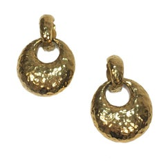 YSL YVES SAINT LAURENT Clip-on Earrings in Hammered Gilded Metal