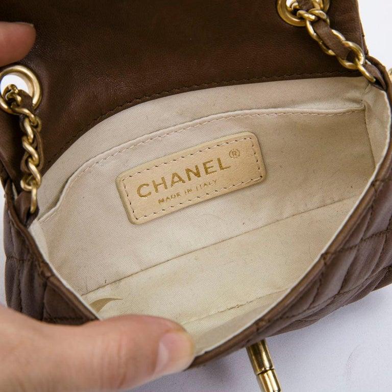 CHANEL Mini Bag in Light Brown Lamb Leather 7