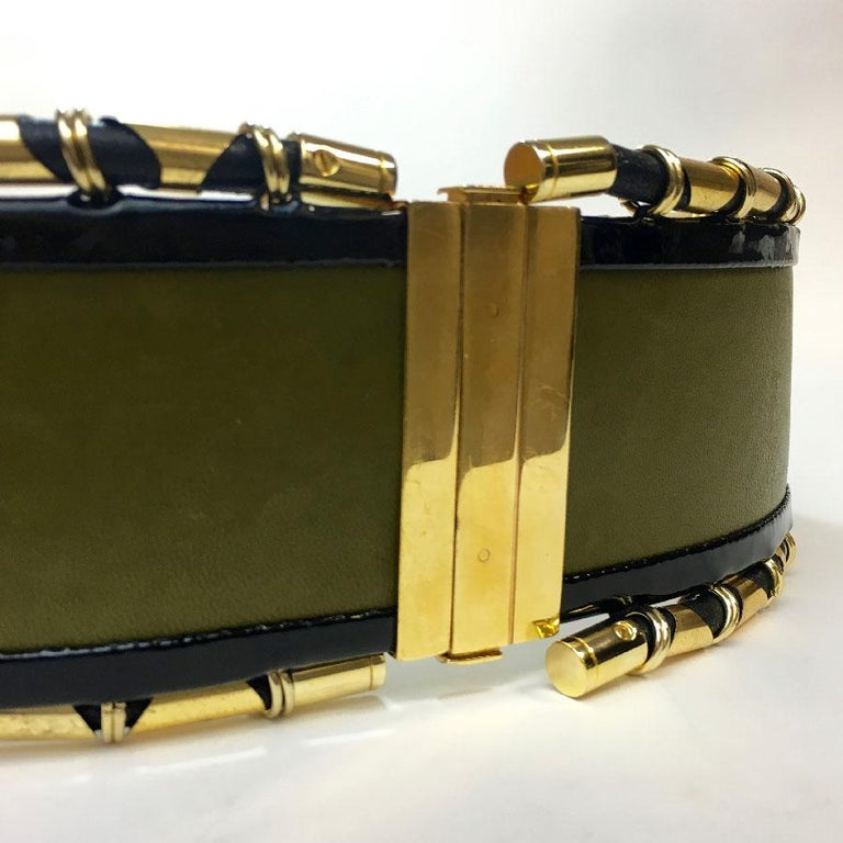BALMAIN High Waist Belt in Khaki Leather and Golden Metal Tubes Size 40 In Good Condition For Sale In Paris, FR