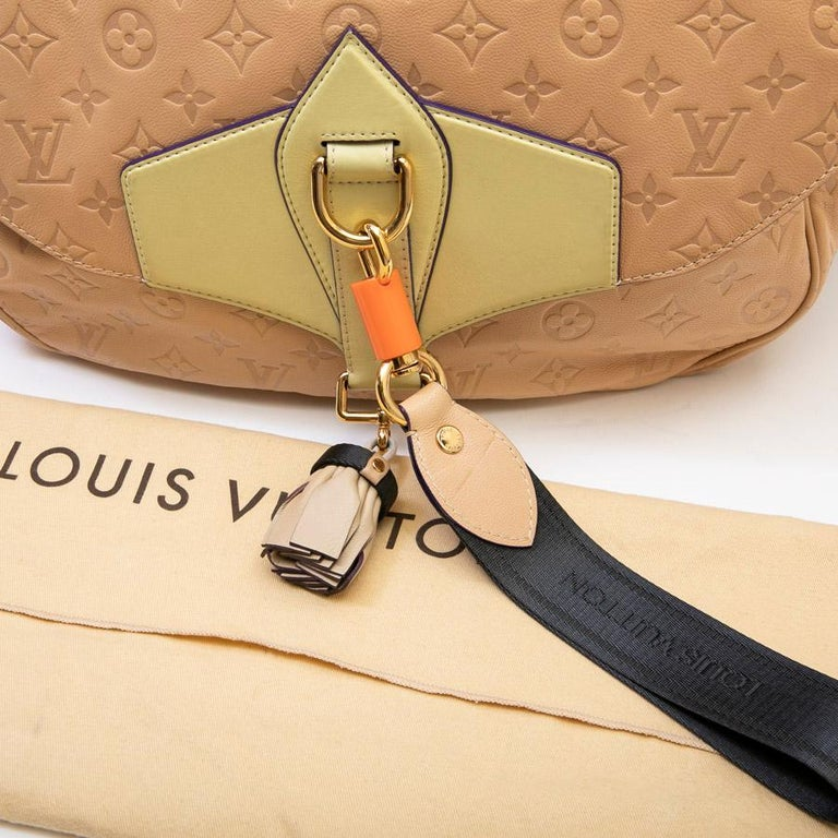 Louis Vuitton Beige Monogram Empreinte Calf Leather Collector Flap Bag For Sale 6