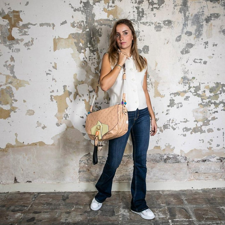 Louis Vuitton Beige Monogram Empreinte Calf Leather Collector Flap Bag In Good Condition For Sale In Paris, FR