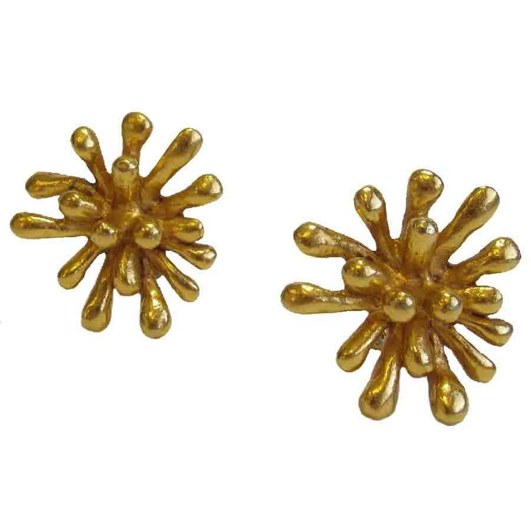 CHRISTIAN LACROIX Vintage Clip-on Earrings in Gilt Metal For Sale