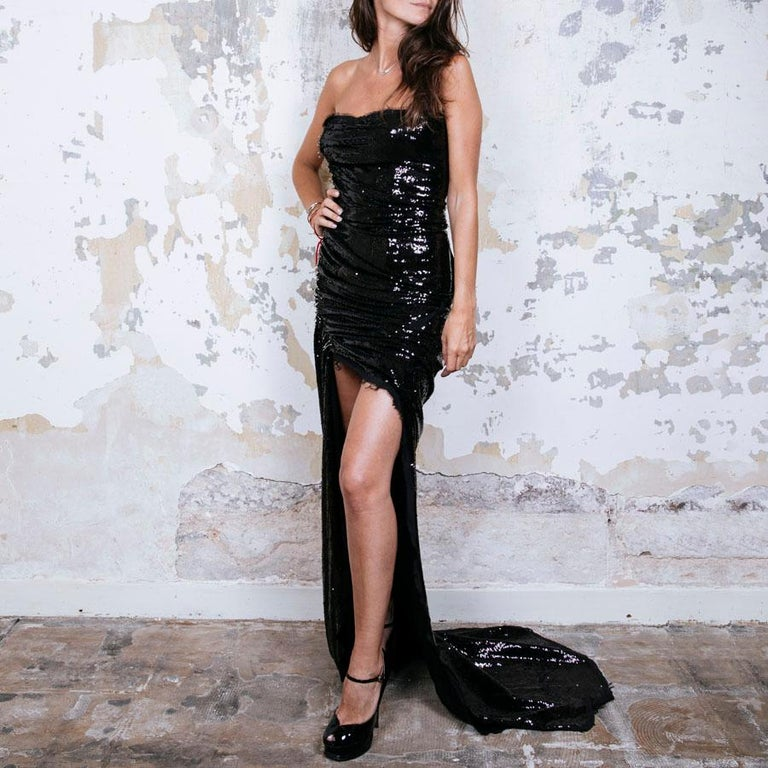 BALMAIN Cocktail Dress in Black Silk Embroidered with Black Sequins Size 38 In Excellent Condition For Sale In Paris, FR