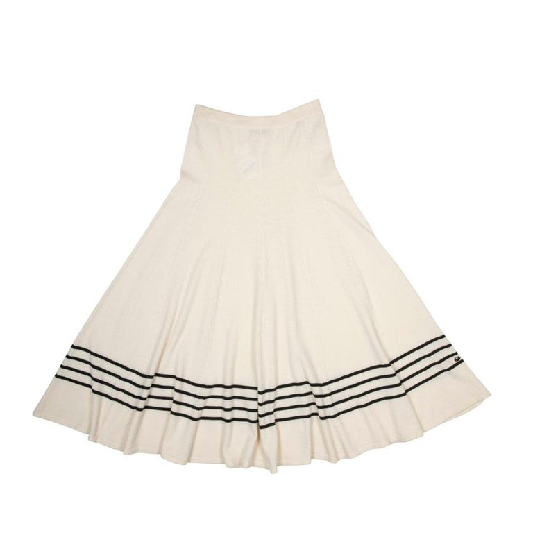 79138282d52967 CHANEL Long Skirt in Ivory Cashmere with Black Stripes Size 42FR For Sale