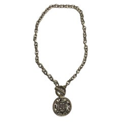 CHANEL Necklace in Pale Gilt Metal