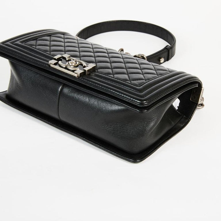 CHANEL Boy Bag in Black Quilted Lambskin For Sale 5