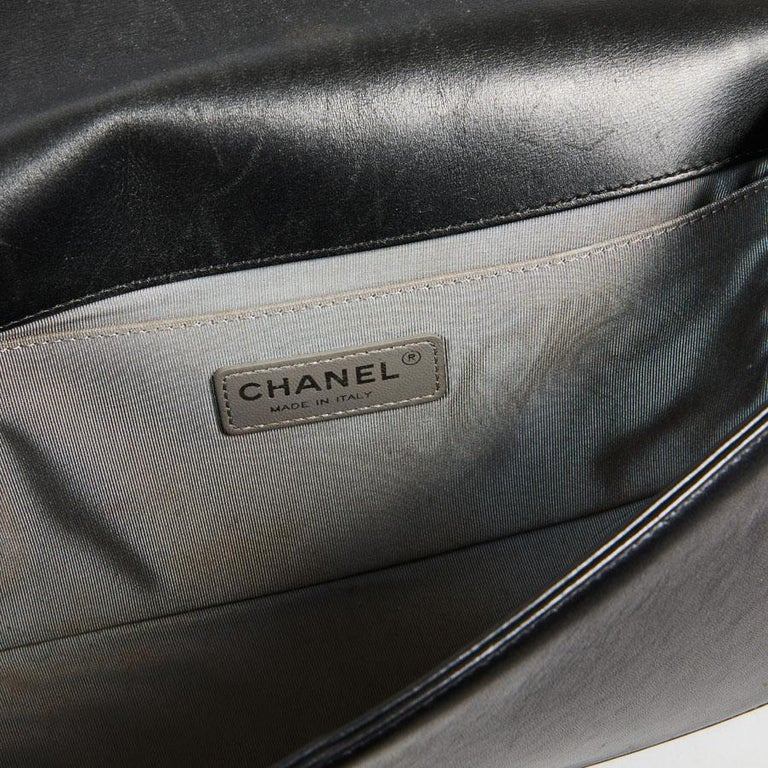 CHANEL Boy Bag in Black Quilted Lambskin For Sale 8