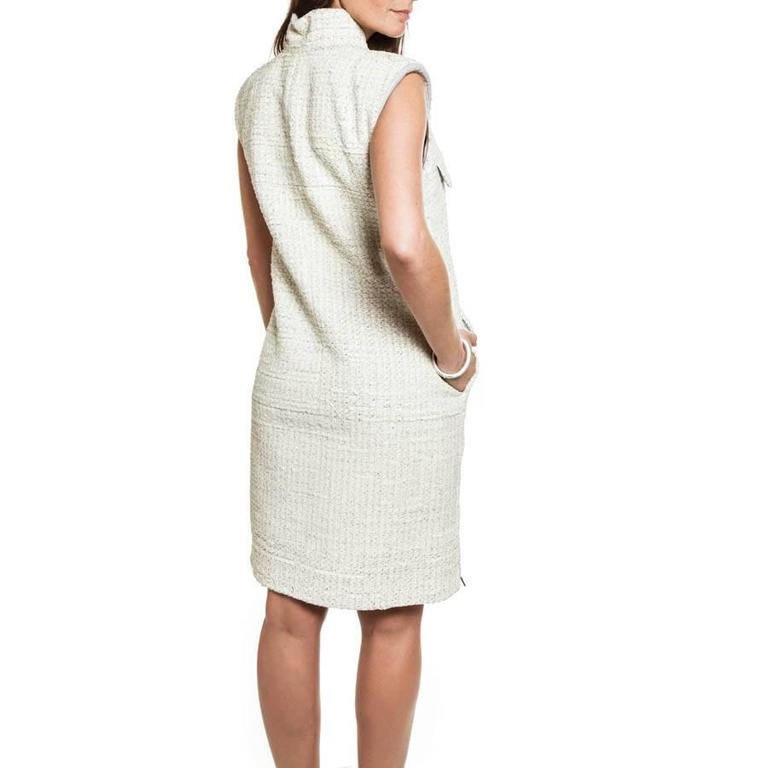 CHANEL Sleeveless Dress T 42FR in Cream Painted Tweed  In Excellent Condition For Sale In Paris, FR