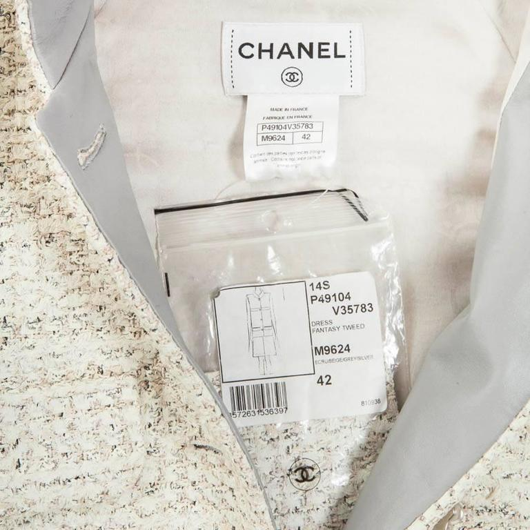 CHANEL Sleeveless Dress T 42FR in Cream Painted Tweed  For Sale 2