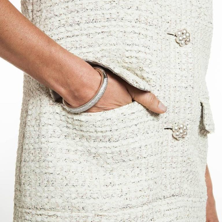 CHANEL Sleeveless Dress T 42FR in Cream Painted Tweed  9