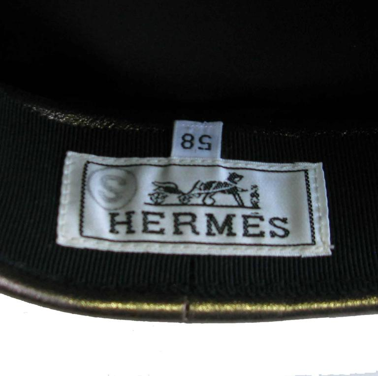 Women's or Men's Hermès Leather Cap in Bronzed Leather T58 For Sale