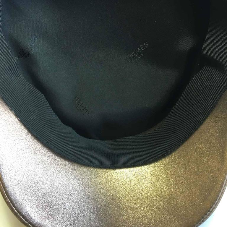 Hermès Leather Cap in Bronzed Leather T58 In New never worn Condition For Sale In Paris, FR