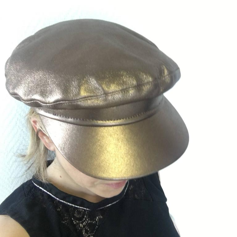 Hermès Leather Cap in Bronzed Leather T58 For Sale 4