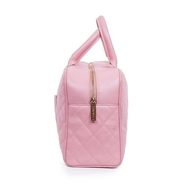 3ed3ec3b5066 Chanel handbag in pink quilted grained leather. Zip closure. Gilded metal  hardware. The