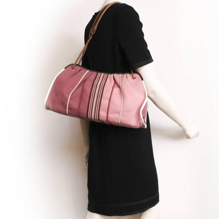 Bottega Veneta tote bag in old pink degraded canvas. Gilded metal hardware.  Worn on 106d3487d5680