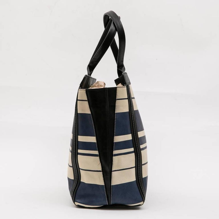 Chloe Bag in White and Blue Striped Leather with Black Borders In New Condition For Sale In Paris, FR