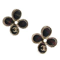 CHANEL Stud Earrings 'Paris-Edinburgh' in Gilt Metal and Multicolored Tweed