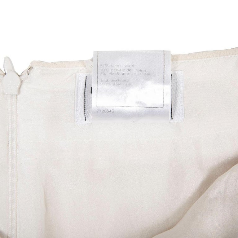 CHANEL Short Skirt in Cream Wool Size 38FR For Sale 4