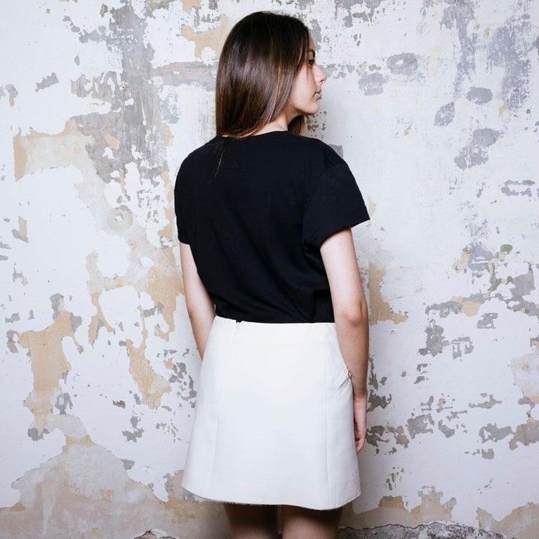 Women's CHANEL Short Skirt in Cream Wool Size 38FR For Sale