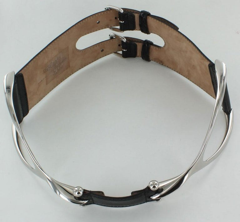 ALEXANDER MCQUEEN wide belt in black patent leather with silver metal panels at the front in the shape of