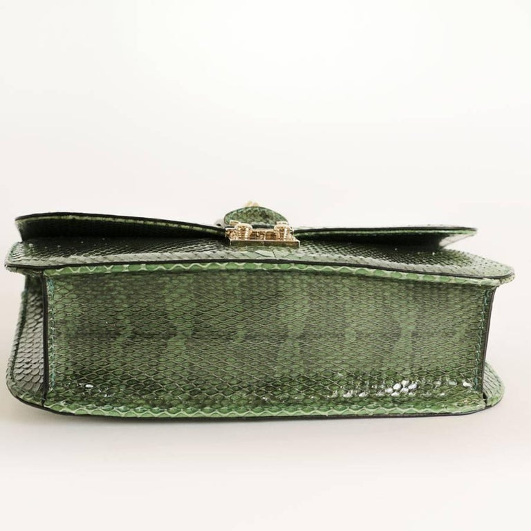 VALENTINO GARAVANI 'Vavavoom' Bag in Green Python Leather In Excellent Condition For Sale In Paris, FR