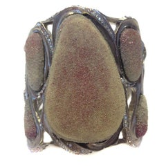 CHANEL Cuff Bracelet Paris Bombay Métiers d'Art Collection
