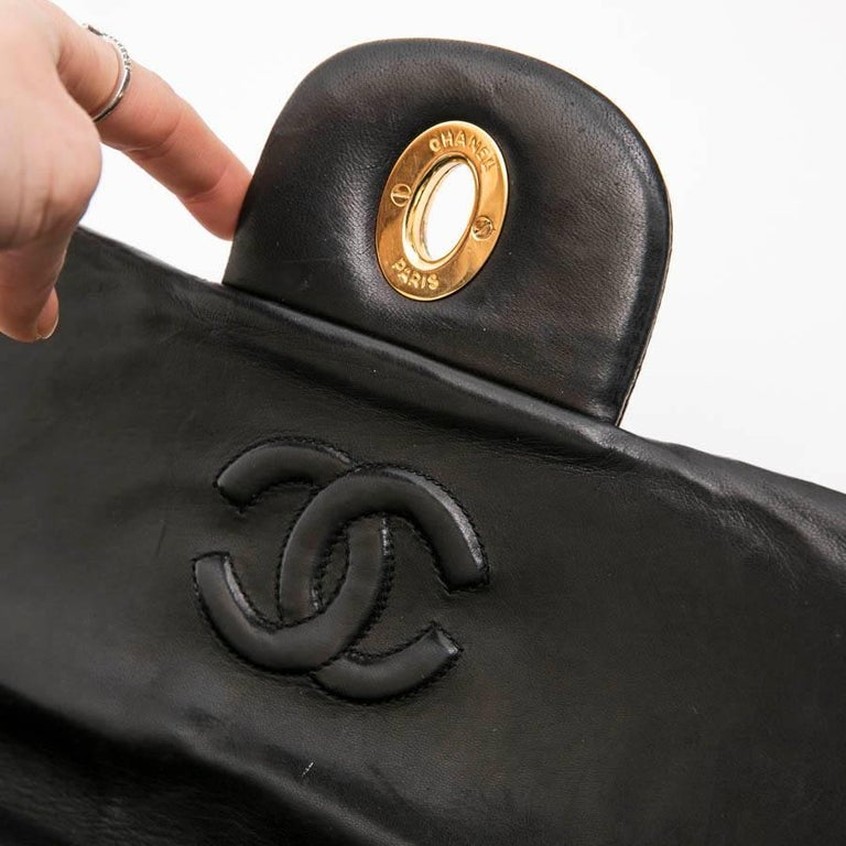 CHANEL Vintage Jumbo Bag in Black Quilted Lambskin Leather For Sale 10