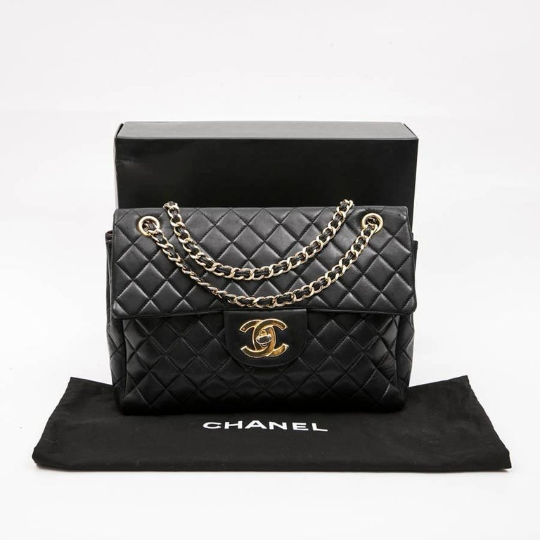 CHANEL Vintage Jumbo Bag in Black Quilted Lambskin Leather For Sale 11