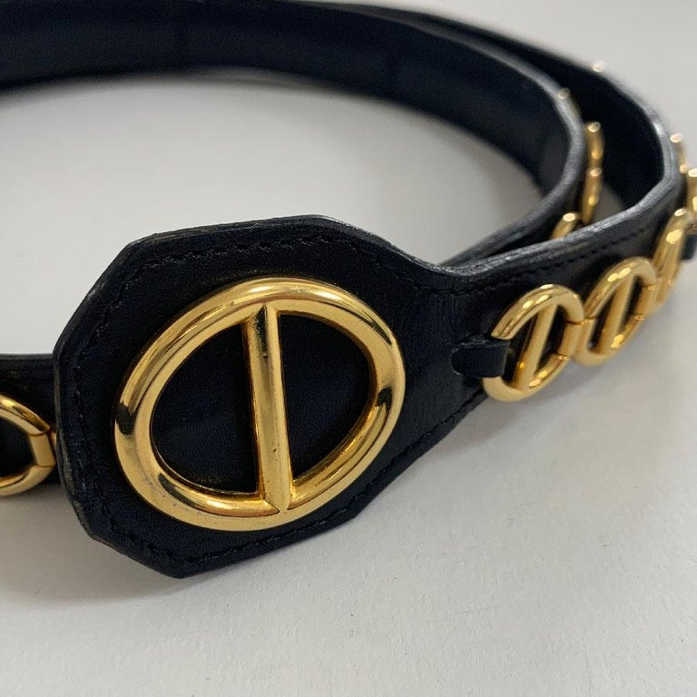 Women's CHRISTIAN DIOR Vintage Belt in Black Calfskin and Gilt Metal Chain Size 80/32 For Sale
