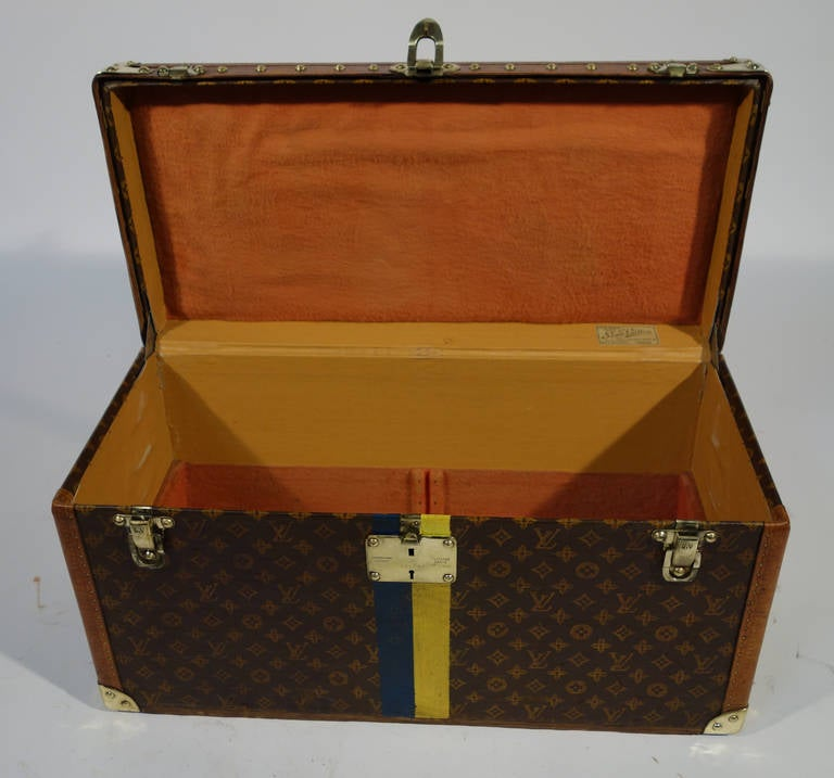 louis vuitton shoes trunk 1909 1914 malle for sale at 1stdibs. Black Bedroom Furniture Sets. Home Design Ideas