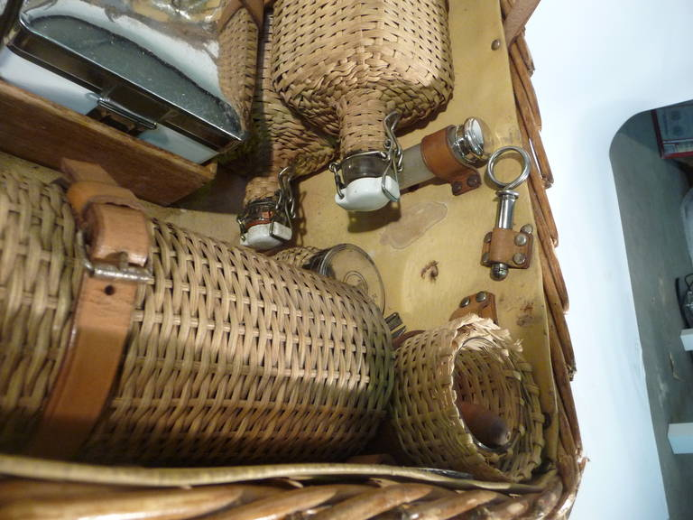 Basket Wicker Picnic Trunk for 12 Guests 1930s or Malle Pique-Nique 10