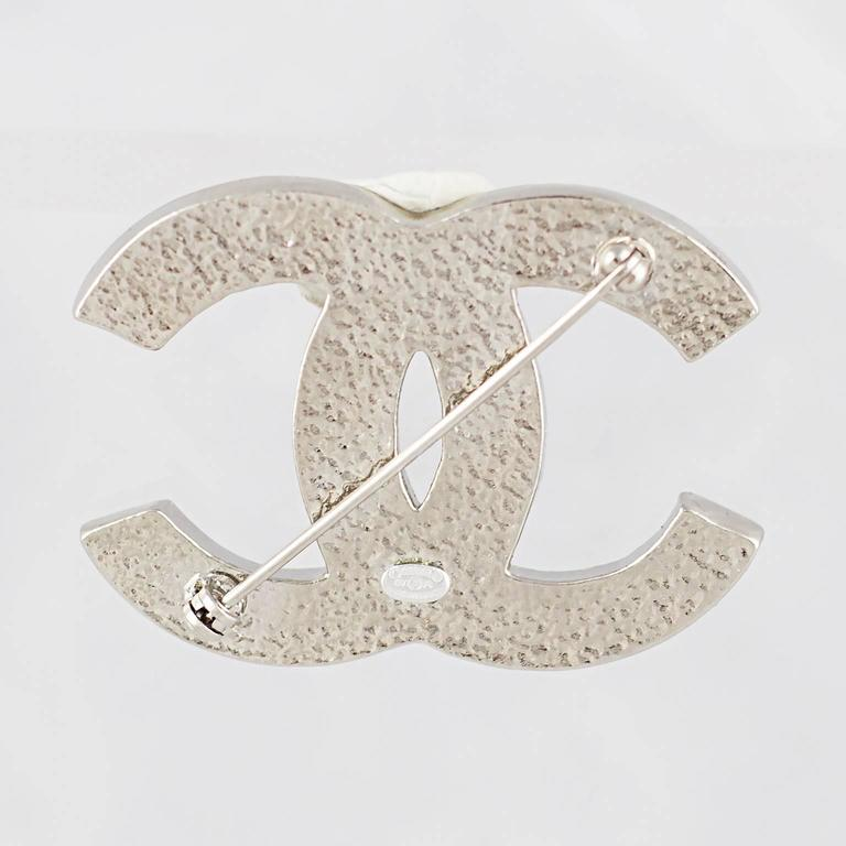 Chanel Crystal CC Logo Brooch 3