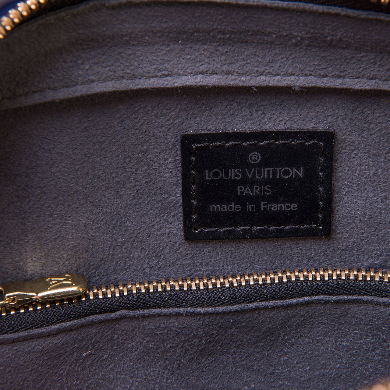 A Super Louis Vuitton 'Pont-Neuf' 25cm Black Epi Bag 6