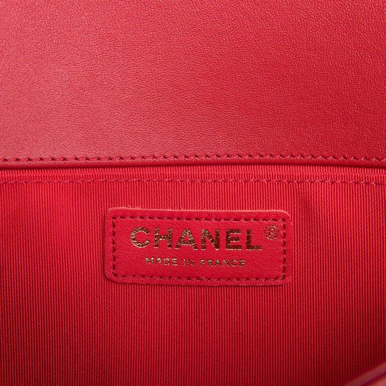 Fabulous New Chanel Imperial Red 25cm Medium Quilted Boy Bag with Gold Hardware 3