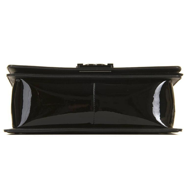 New & Unused Chanel 25cm Medium Black Patent 'Boy' Bag with Silver Hardware 3