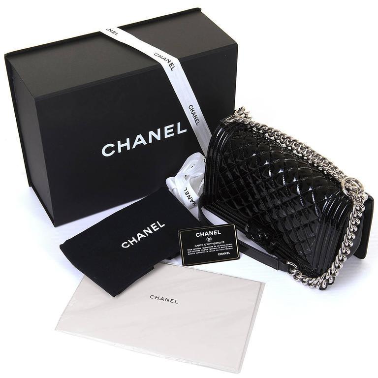 New & Unused Chanel 25cm Medium Black Patent 'Boy' Bag with Silver Hardware 6