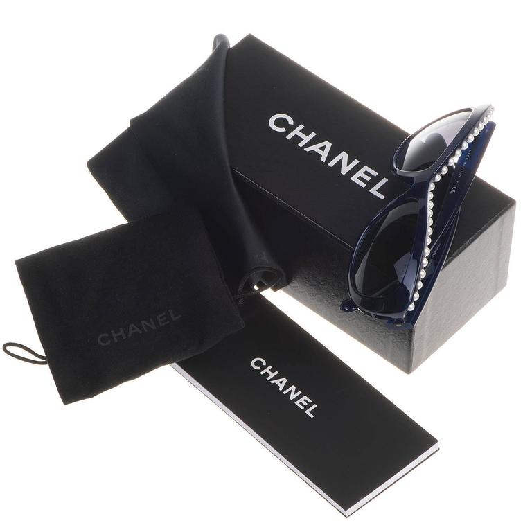 TRES CHIC Chanel Pearl Inset Sunglasses 2