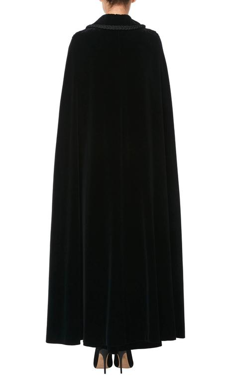 Jean Patou black cape & skirt, circa 1970 In Excellent Condition For Sale In London, GB